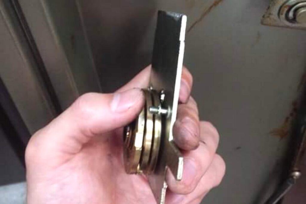 コクヨ製の業務用金庫のダイヤル番号変更