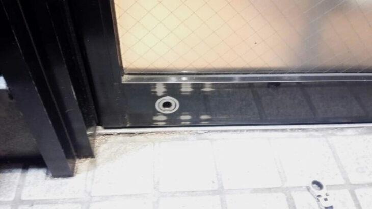 店舗の自動ドアの脱着&鍵交換|ドアの取り外し作業ならお任せ下さい