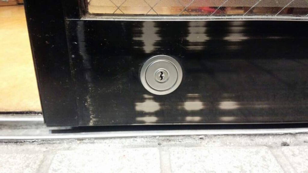 店舗/会社の鍵交換に即日対応の鍵屋