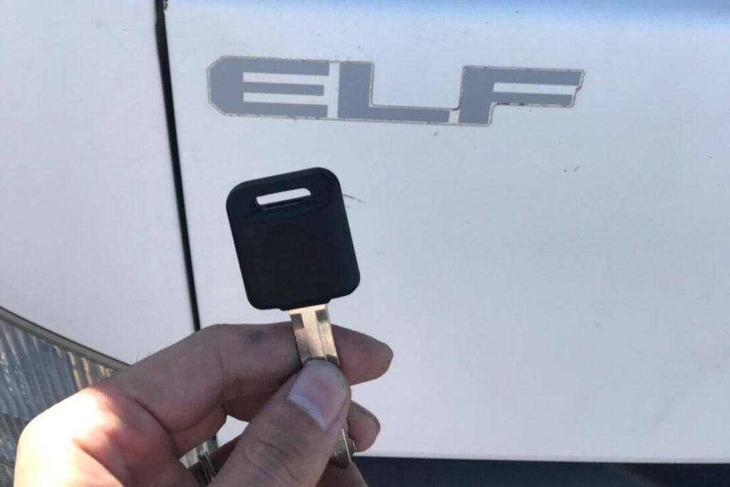 いすゞ エルフの鍵紛失による鍵作製やイモビライザー登録