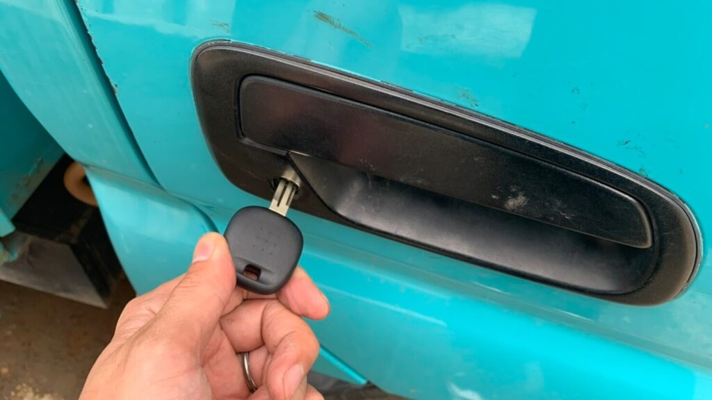 ダイナの鍵紛失による鍵穴からのキー作製