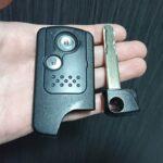 CR-Vのツイストノブ式スマートキー