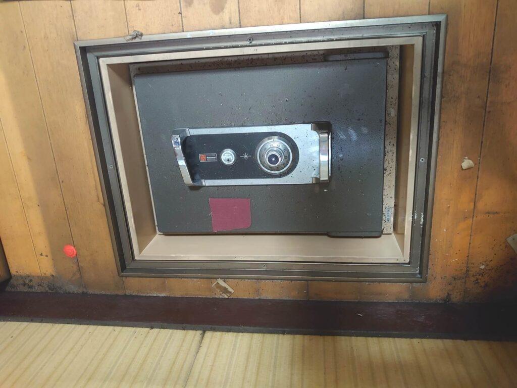 防盗用の家庭用金庫の解錠「NATIONAL製」
