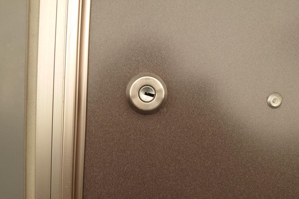 玄関の鍵「D9」を壊さず解錠可能の鍵屋