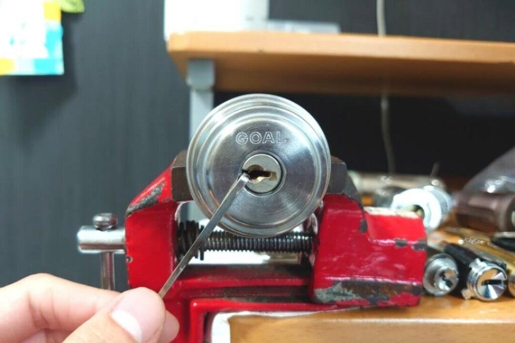 GOAL製のピンシリンダーをピッキング開錠