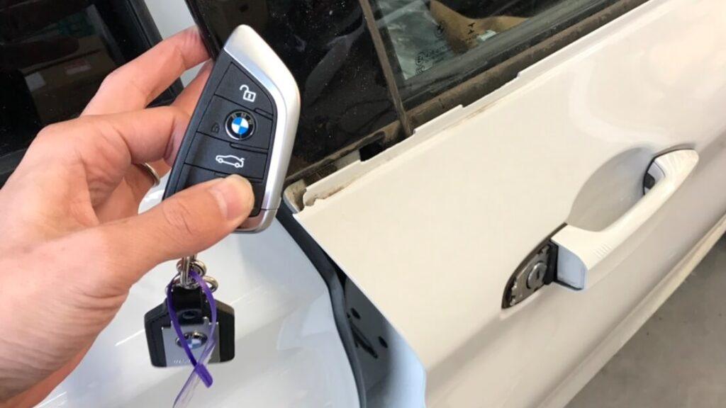 BMWのインロックによる鍵開けに即日対応