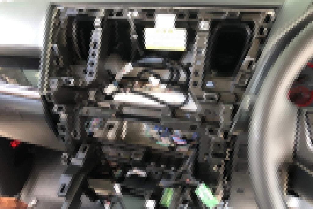 ヴェルファイア30系の鍵紛失による内装分解