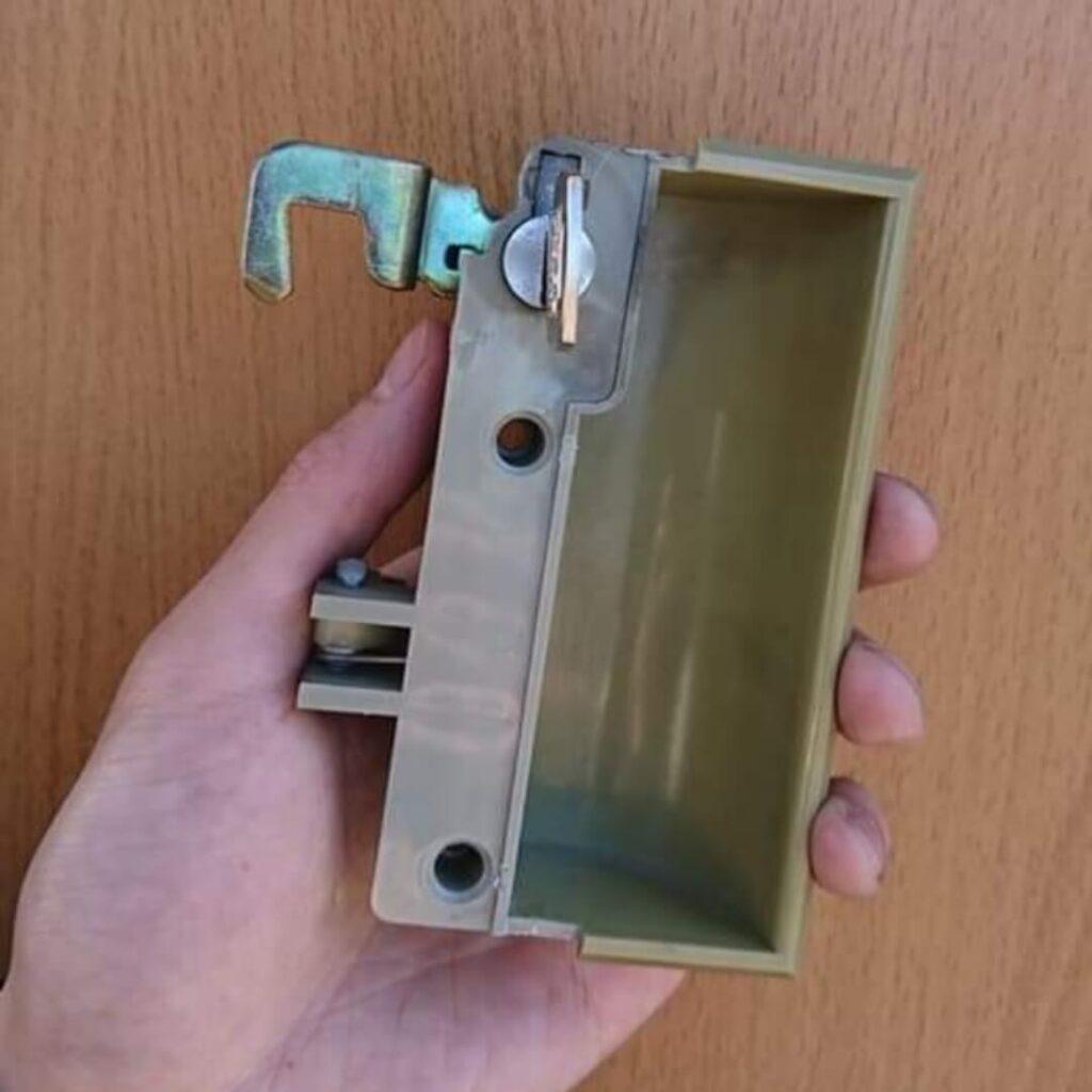 ロッカーの鍵紛失による鍵穴からのキー作製