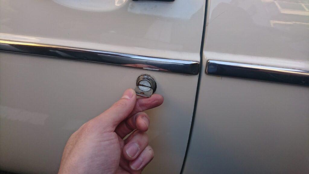 MGB「旧車」の鍵紛失によるキー作製