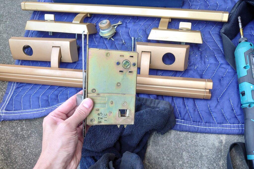 MIWA製プッシュプル錠の故障不具合