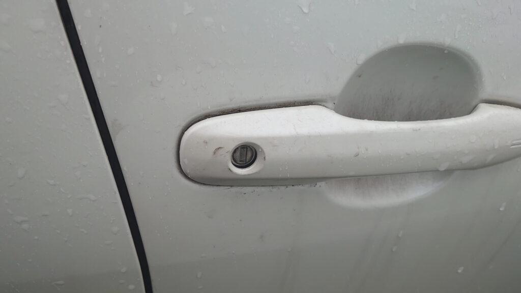 シリンダーを外した際は固定後に鍵の開け閉めを確認
