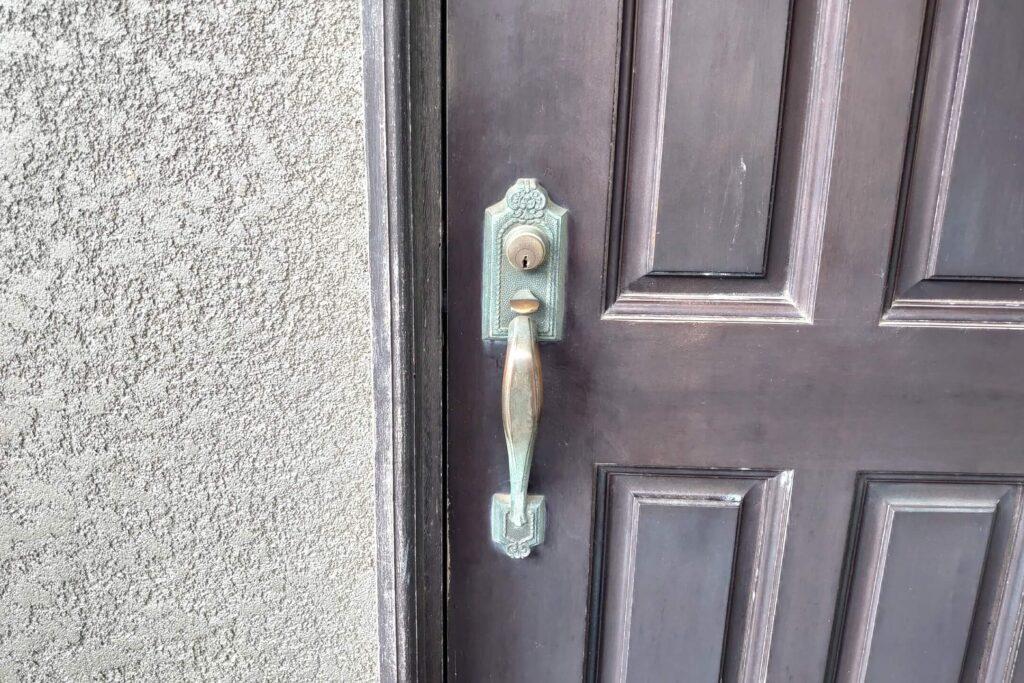 WEST製サムラッチ錠の鍵交換に出張対応