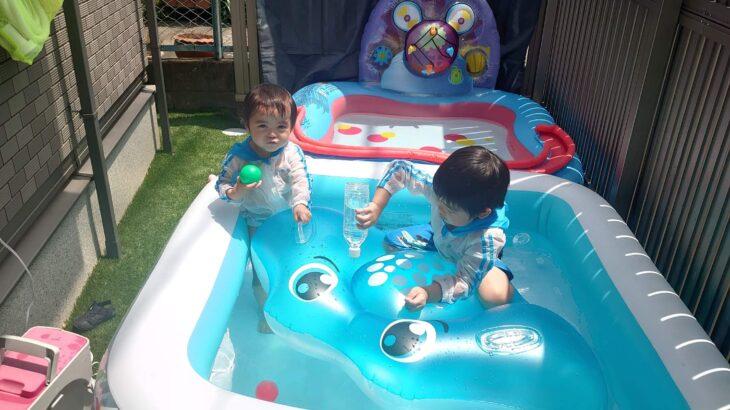 今年初のお庭でプール