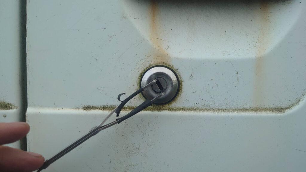 サンバーの鍵紛失によるピッキング解錠