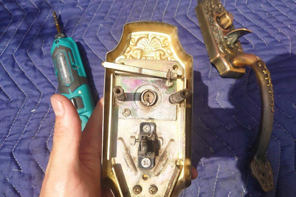 GOAL製サムラッチ錠の鍵の故障による交換依頼