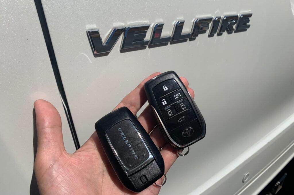ヴェルファイア30系の鍵紛失に出張対応する鍵屋